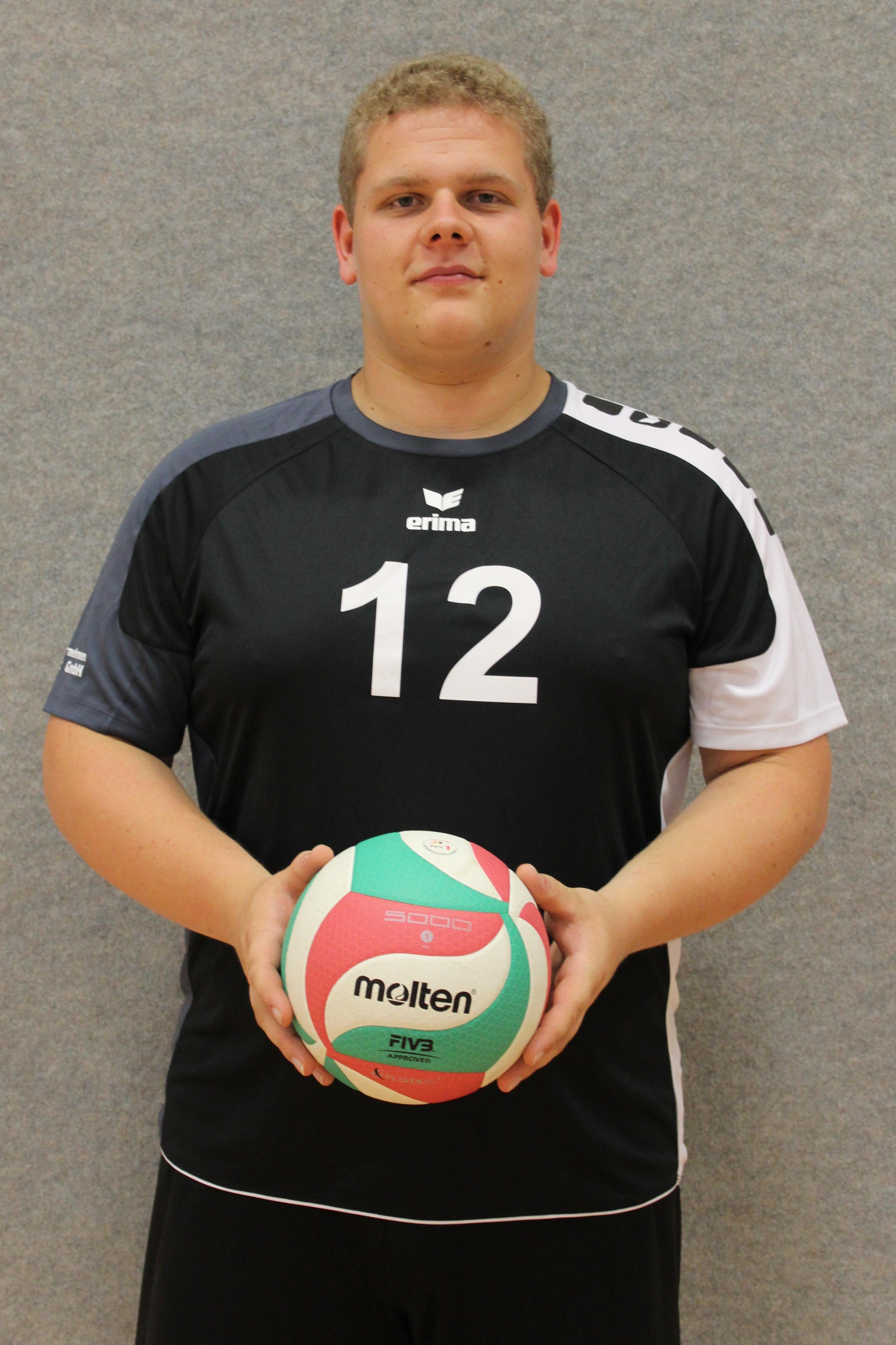 Martin Schmidt Trikotummer: 12 Position: Zuspiel Größe: